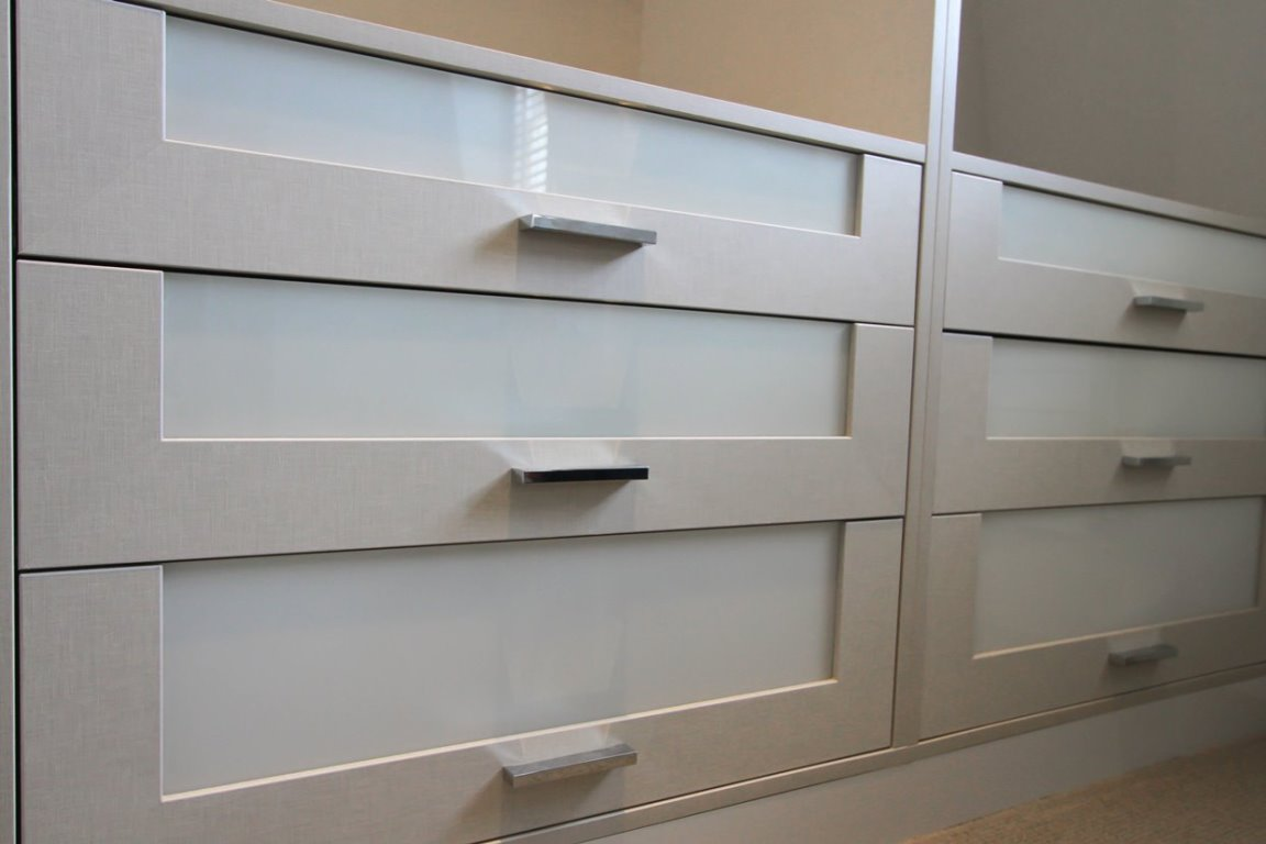 gloss wardrobe gloss fitted wardrobe bespoke wardrobe with drawers