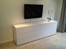 White gloss TV unit
