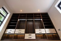 Contemprory Walk-in Wardrobes