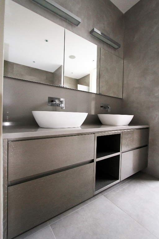 Fitted bathroom furniture in london bespoke bathroom for Bathrooms and kitchens