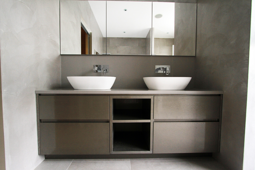 Fitted bathroom furniture in london bespoke bathroom for Bathroom vanities uk