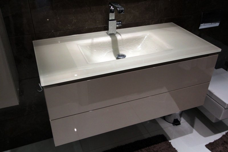 fitted bathroom furniture  london bespoke bathroom
